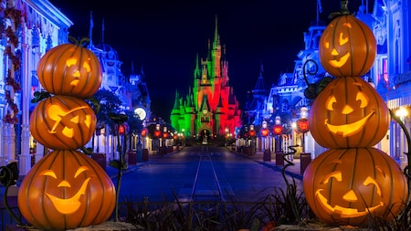Taking Kids to Mickey's Not-So-Scary Halloween Party | Fantasy ...